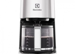 Cafetiera Electrolux EKF7800 – review complet